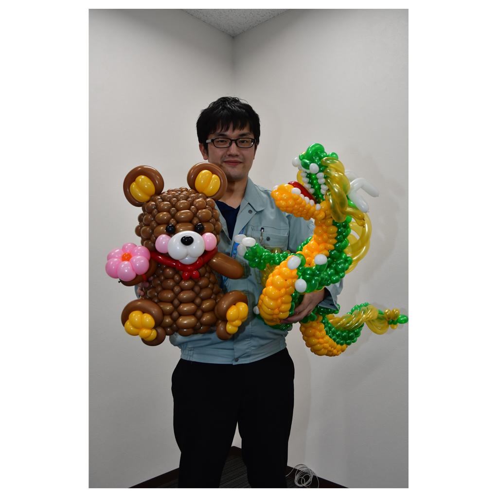 クマと竜をモチーフにした作品をもつ萩原さん