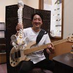 所ジョージさんと共演した君和田さん 美人の湯の音楽家