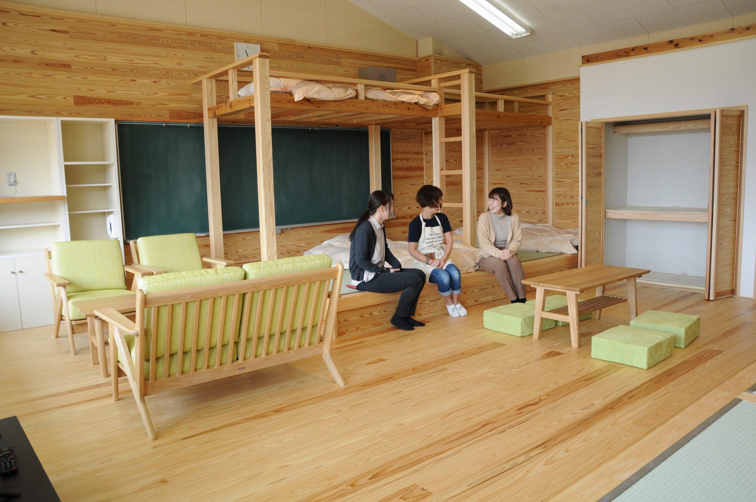 県産材を使った宿泊室
