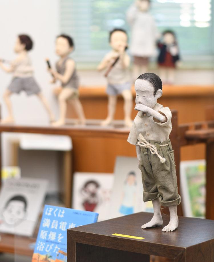 当時の子どもを表現した創作人形