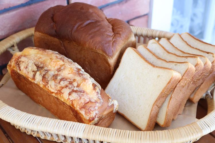 「食パン」「チーズブレット」「山型食パン」