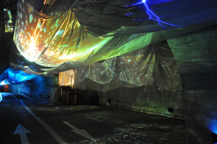 トンネルの演出