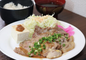 飾らない定食店 銀MARU(マル)(定食・居酒屋 (日 立))